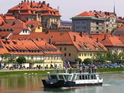 Dravska_vila_Boat_Gregor_Mursec