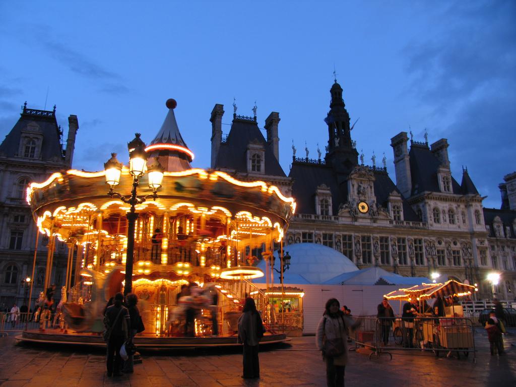 Carrousel en el Hotel de Ville de Paris. ~Foto: Renaat